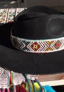 Qero Sombrero met band